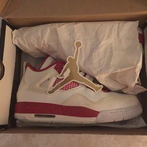 Retro Jordan 4s